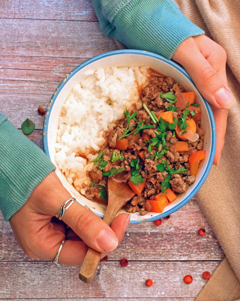Bolonjeze sos sa mlevenom govedinom i pirinčem
