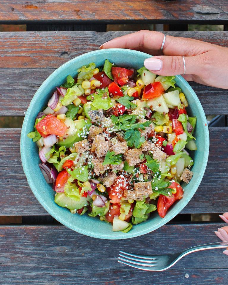 Salata sa avokadom – vitaminska obrok salata