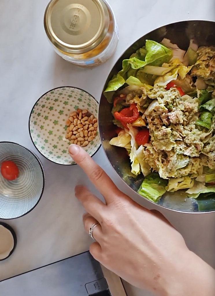 priprema salate sa tunjevinom i avokadom